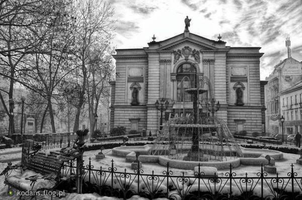 https://s28.flog.pl/media/foto_middle/13551370_teatr-polski-w-bielskubialej.jpg